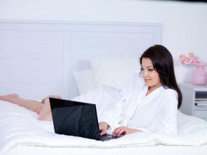 Cum sa fii in siguranta la prima intalnire online?