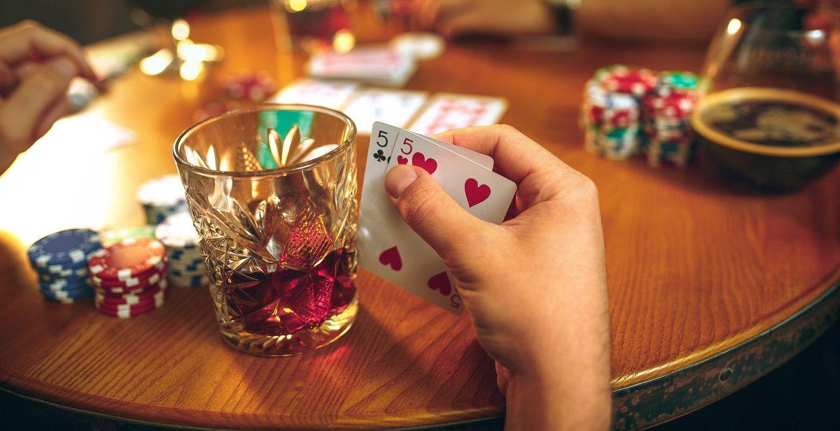 Cele mai bune jocuri de societate pentru adulti. Idei pentru cupluri si nu numai!
